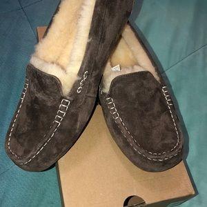 Ugg NIB Ansley chocolate slippers Christmas 12B